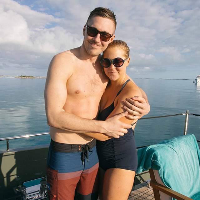 Их отношения продлились около года, после чего пара решила разойтись, но так подчеркивают оба - лишний вес актрисы не при чем.