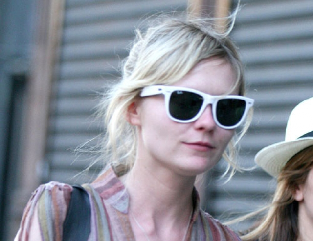 Кирстен Данст. В 2007 году преступники пробрались в апартаменты актрисы в отеле SoHo Grand Hotel на Манхэттене, где она проживала на момент съемок очередного фильма.