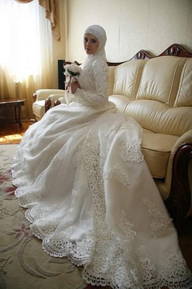 На сцену Алалыкина так и не вернулась, и о том, как она сейчас живет, почти ничего неизвестно. По некоторым данным, она снова вышла замуж, родила второго ребенка и сейчас совершенно счастлива.