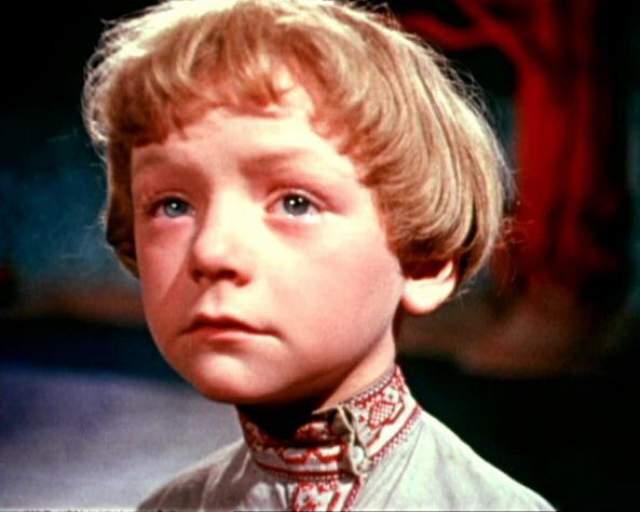 """""""Марья-искусница"""". Виктор Перевалов. Исполнитель одной из самых ярких сказочных ролей был востребован как актер практически все свое детство и юность, а популярность его буквально зашкаливала. Ситуация изменилась во времена перестройки."""