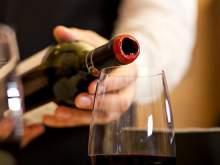 Ученые назвали дозу алкоголя, повышающую риск развития рака