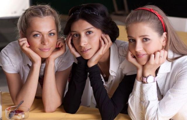 """Равшана Куркова. В сериале """"Барвиха"""" красавица-актриса сыграла школьницу, хотя на тот момент ей было уже 29."""