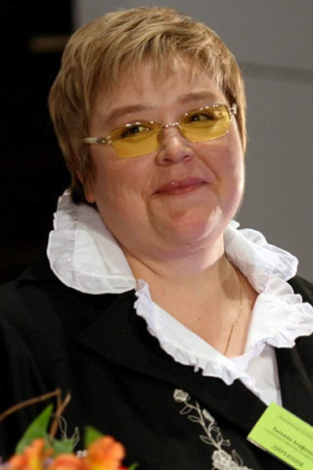 Говорят, талантливый человек талантлив во всем. Так и случилось с Агафоновой: она стала председателем колхоза. Но в 2007 году актриса вернулась в столицу, организовала продюсерский центр и снова замелькала на экранах.
