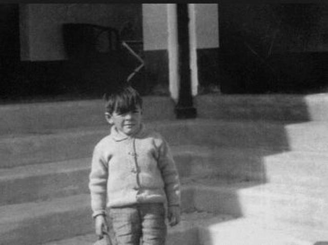 Для аргентинского подростка не удивительно увлечение футболом, которое разделял и Эрнесто. Также Че Гевара в юности увлекался регби, конным спортом, гольфом, планеризмом и любил путешествовать на велосипеде.