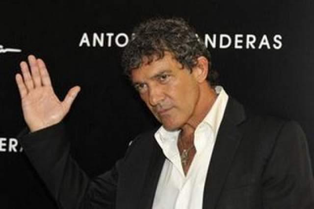 """Антонио Бандерас В 2013 году голливудский мачо снялся в рекламной кампании """"Ешь Пей Жуй Orbit""""."""