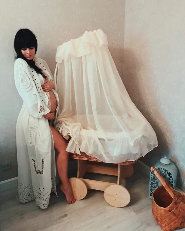 Нелли Ермолаева, 32 года. Молодая мама скинула семь килограммов уже за первые пять дней после рождения сына, набрав при этом за беременность 17 кг.