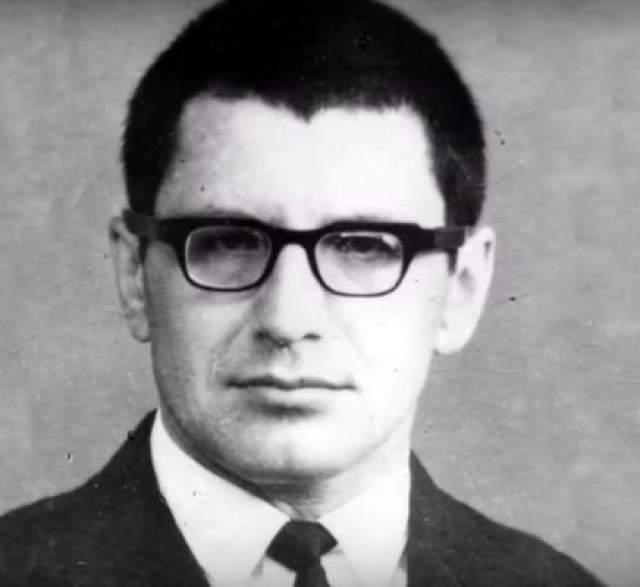 Считается, что Бережному было известно о крупных хищениях в возглавляемом им конструкторском бюро и, когда КГБ заинтересовалось его ведомством, настоял на том, чтобы воровство прекратили хотя бы на время. После этого его подчиненные заартачились.