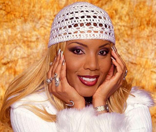 Вокалистка Мелани Торнтон 24 ноября 2001 года погибла в авиакатастрофе. Альбомы La Bouche и сольные записи певицы до сих пор остаются популярными, регулярно переиздаются и ремикшируются.