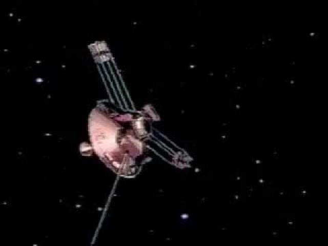 С Земли зонды уже невозможно увидеть. Стало известно, что зонды удаляются от Солнечной системы медленней, чем предполагалось. На них действует непонятная сила торможения, которую ученые объяснить не могут.