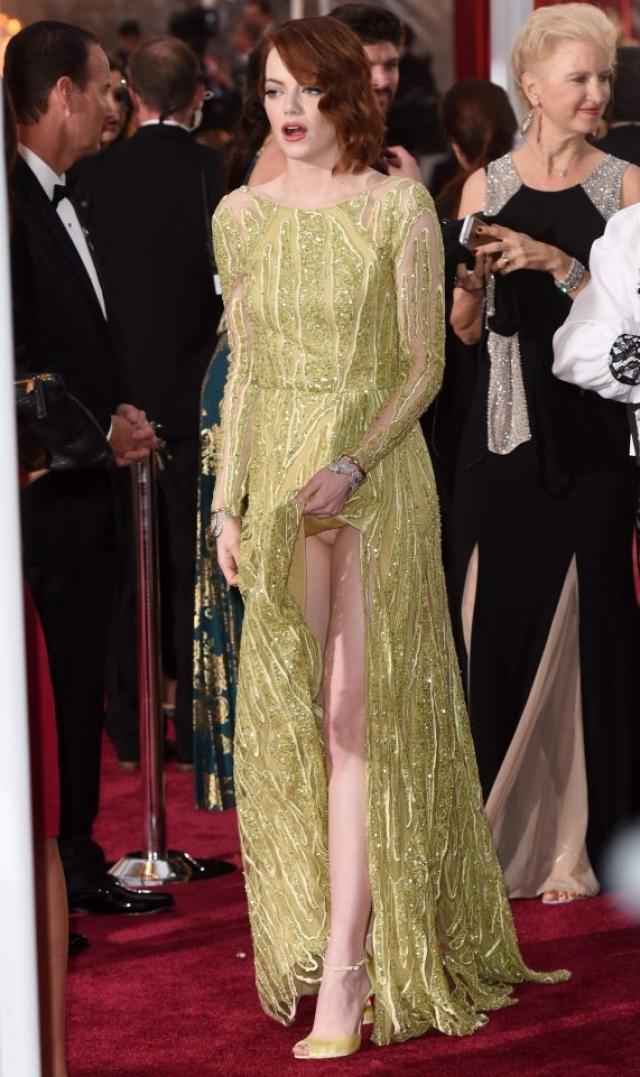"""Эмма Стоун. Актриса сверкнула нижним бельем на """"Оскаре-2015""""."""