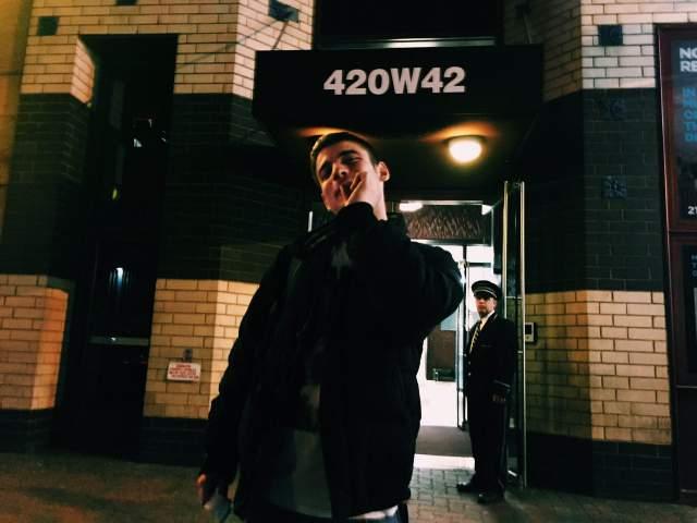 Старший внук Табакова, 24-летний Никита, уже давно проживает в США. За его плечами высшее образование в Нью-Йоркском университете, а сейчас он обучается в киноакадемии на продюсерском факультете.