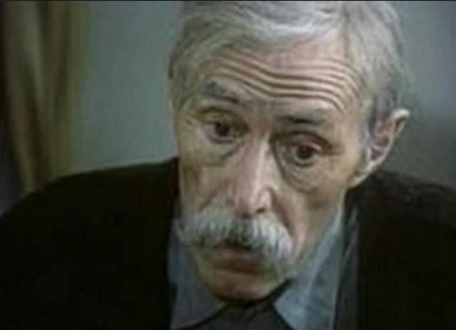 Актер скончался от лейкемии 10 апреля 1989 года на 69 году жизни.