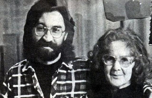 Юрий Шевчук с мамой.