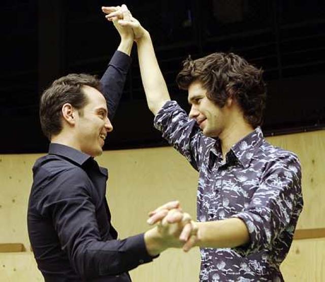 Бен решил, что негоже дальше дурить поклонниц, и рассказал изданию Daily Mail, что уже год живет с австралийским композитором Марком Брэдшоу, с которым заключил брак в Сиднее.
