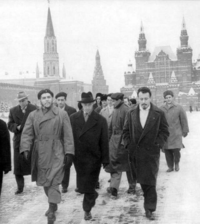 В 1960 году Че Гевара во главе экономической миссии Кубы посетил страны социалистического блока, в числе которых оказался Советский Союз.