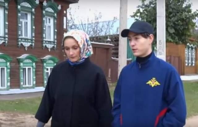Ольга заявила о своих правах на долю в квартире отца. Сумма доли оценивалась в несколько десятков миллионов рублей. Шукшина заявила о том, что хочет продать ее, а на эти деньги купить сыну Василию жилье.