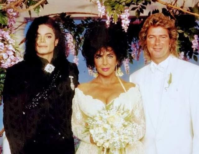 """Свадьба стала настоящим событием и """"сборищем"""" звезд первой величины. Обслуживание такой публики почти полностью за свой счет организовал лучший друг невесты - Майкл Джексон."""