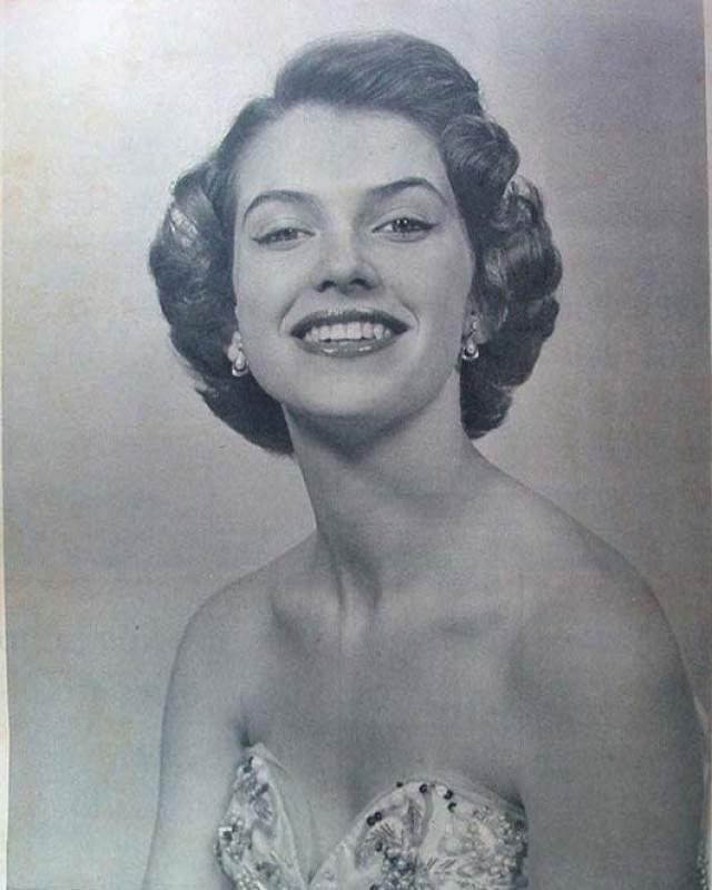 Май-Луиза Флудин (Швеция) - Мисс мира 1952.
