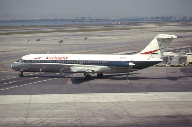 Столкновение над Индианаполисом. Крупнейшая авиационная катастрофа в США на тот период времени. Самолет McDonnell 78 авиакомпании Allegheny Airlines с 78 пассажирами и четырьмя членами экипажа летел из Цинциннати.