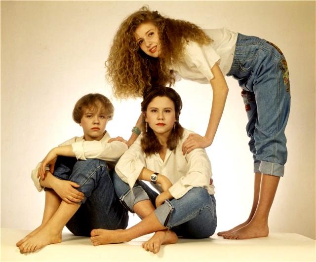 """""""Лицей """". Главный хит поп-группы, """"Осень"""", прозвучал в 1995 году. Кроме нее история """"Лицея"""" насчитывает десятки песен, которые покорили верхние строчки в музыкальных рейтингах."""