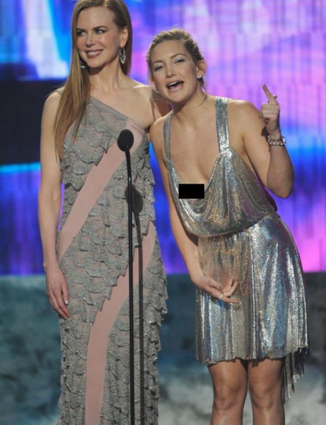 """Кейт Хадсон. Актриса вышла на сцену для вручения награды, но """"вручила"""" немного больше."""