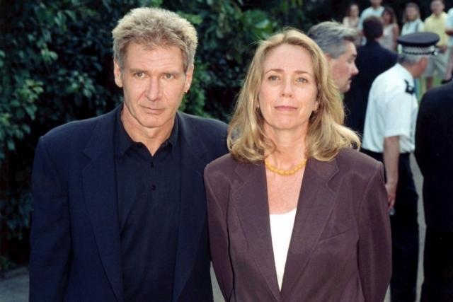 Лишь проведя шесть лет в браке, в 1983 году, он начал получать по 20 миллионов долларов за картину.