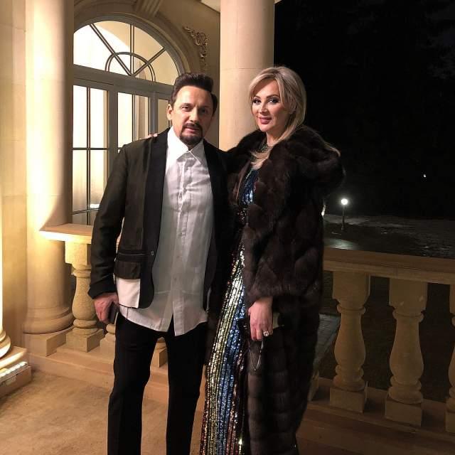 Стас Михайлов с супругой отметили праздник за городом.