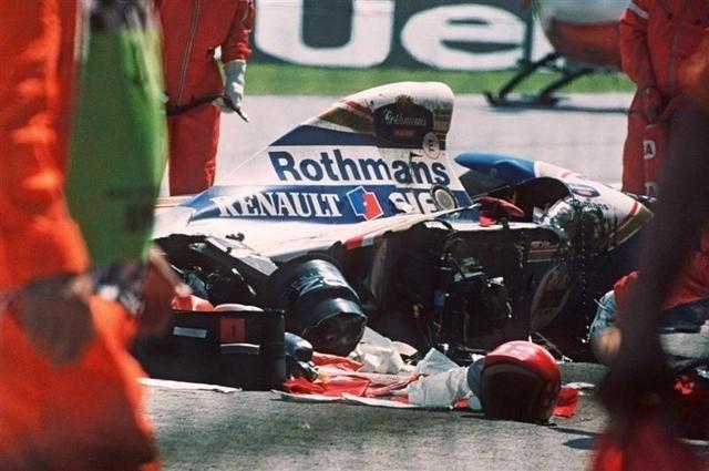 1 мая 1994 года во время гонок Гран-при Сан-Марино его машина потеряла управление, съехала с трассы и врезалась в бетонное ограждение. Сенна много раз в интервью говорил, что не совсем доволен своей машиной, так как иногда она ведет себя непредсказуемо.