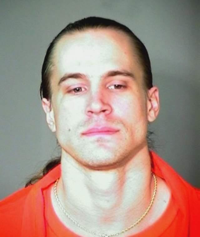 Леви Джеймс Джексон. 7 декабря 1992 года 16-летний американец с двумя соучастниками решил угнать авто и даже обсуждал возможность убийства ее водителя. Их жертвой стала 40-летняя женщина, которую они остановили с просьбой дать им прикурить.