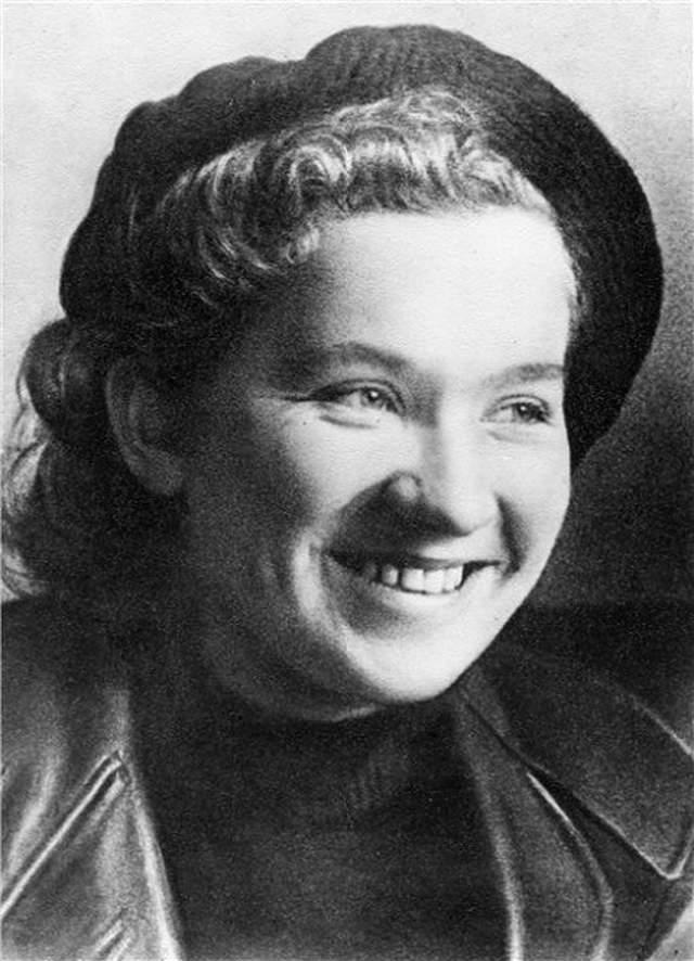 После случившегося Гитлер объявил женщин своими личными врагами.
