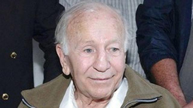 """В 1997 году Пауля Шефера в Чили заочно признали виновным в преступлениях на сексуальной почве. В 2005 году он был арестован в Аргентине. В мае 2006 года, признав его виновным в многочисленных надругательствах над несовершеннолетними и другими жителями колонии """"Дигнидад"""", суд приговорил его к 20 годам тюрьмы."""