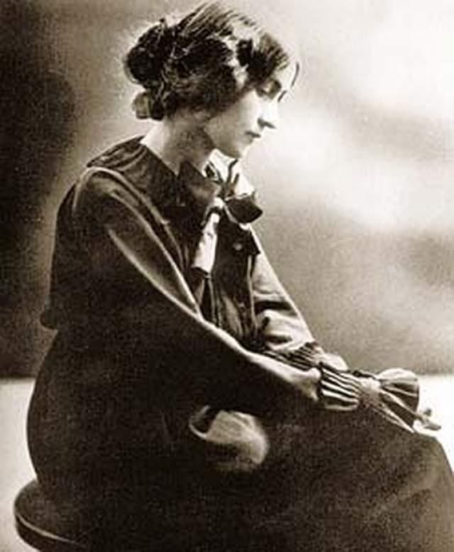 """Маргарита Коненкова. 1895-1980. """"Лукас"""" половину своей жизни провела в США в качестве шпионки. Обладательница яркой внешности и острого ума, девушка сумела расположить к себе Альберта Эйнштейна."""
