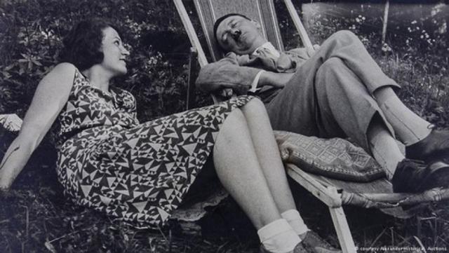 """Они часто уединялись во время продолжительных прогулок в горы, подолгу разговаривали, казалось, что дело шло к свадьбе, но фюрер говорил: """"Моя невеста – Германия!"""". 18 сентября 1931 года Гели Раубаль совершила самоубийство."""