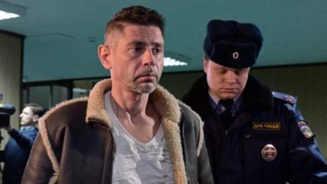 В феврале 2016 года актер Валерий Николаев стал участником скандала. Он был замешан в ряде ДТП. За несколько дней Николаев сбил женщину, врезался в несколько машин, уходя от погони, а также сбил сотрудника автоинспекции.