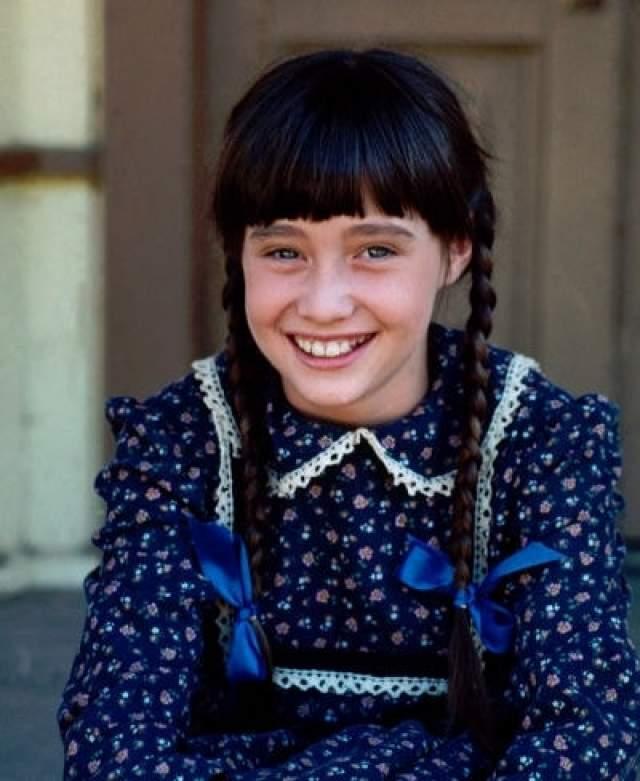 """Одна из первых ролей звезды """"Беверли Хиллс 90210"""" Шеннен Доэрти ."""