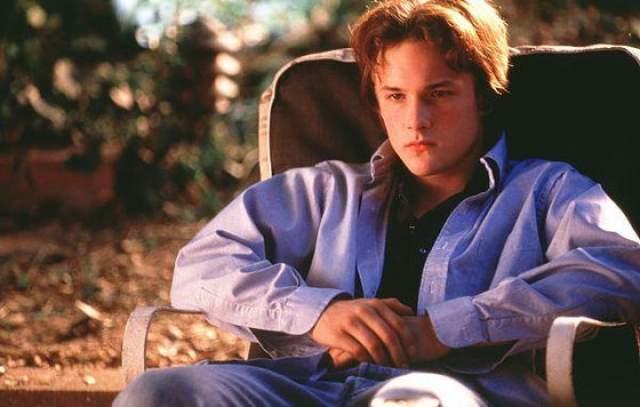 """В 1997 году он также снимался в фильме по книге Стивена Кинга """"Способный ученик"""", получившем хорошие отзывы кинокритиков. За роль Тодда Боудена на Международном кинофестивале в Токио Брэд Ренфоро получил почетный приз."""