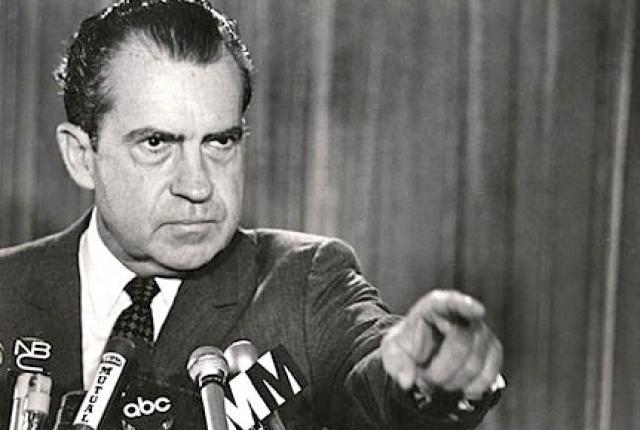 Ричард Никсон. Президента США не раз обвиняли в связях с мафиозными структурами, подчеркивая, что именно они помогали ему на выборах.