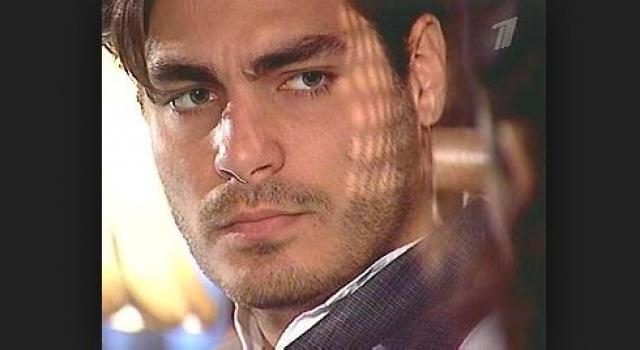 Тьяго Ласерда. Еще один латиноамериканский любимец женщин запомнился отечественным зрителям по роли в сериале Земля любви.