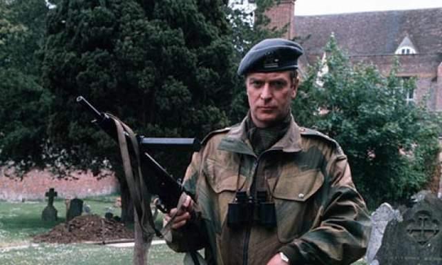 Майкл Кейн. В годы Второй мировой войны актер был уже подростком, потому повидал немало крови - гораздо больше, чем герои фильмов с ним. Его юные годы выпали на время войны в Корее.