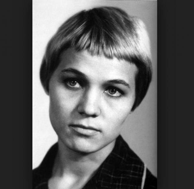 Нина Русланова. Будущей актрисе в детском доме дали фамилию в честь знаменитой певицы, когда ее в возрасте двух месяцев подбросили на порог приюта.