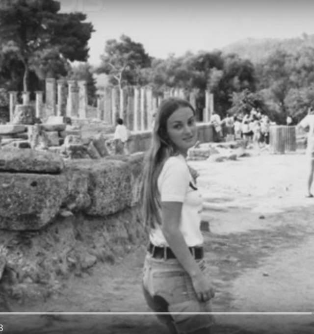 Патриция Херст. Внучка медиа-магната Уильяма Херста была похищена в 1974 году. 19-летняя девушку схватили на территории университетского городка Беркли (Калифорния).