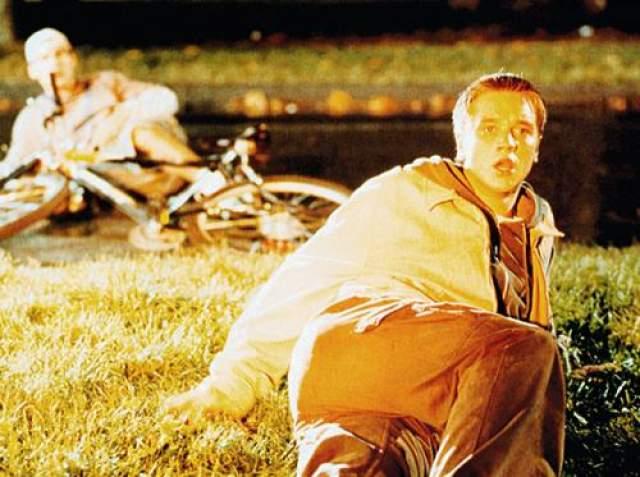 """Девон Сава Ребенок-звезда (сыграл главную роль в фильме """"Каспер"""") вышел на новый уровень известности после роли Алекса Браунинга в первом """"Пункте назначения""""."""