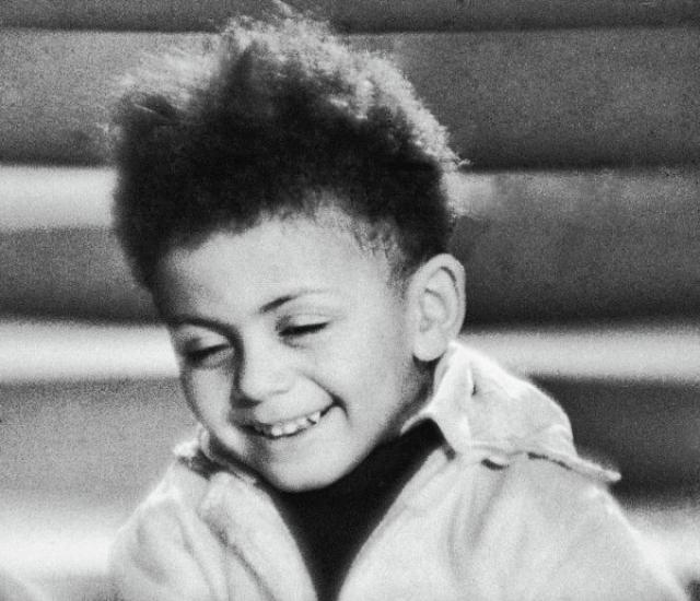 """Его сын Джим в два года сыграл роль негритенка в фильме """"Цирк"""", впоследствии служил капитаном-подводником и литератором и уехал на родину отца в 1994 году."""