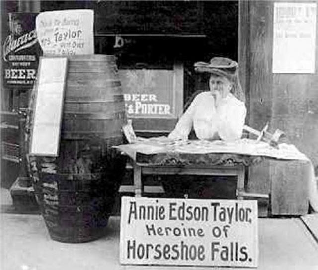 До конца дней Энни Эдсон Тэйлор влачила жалкое существование, позируя фотографам, и всё из-за того, что её менеджер оказался аферистом и скрылся с её деньгами.