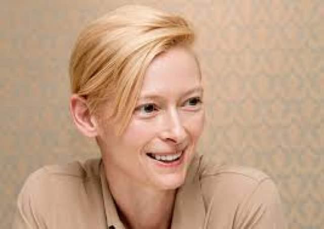 Тильда Суинтон. О ее внешности можно спорить бесконечно.