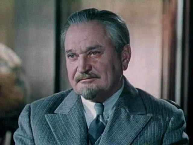 В больнице его ждала незавидная судьба: Гриценко украл из холодильника чужие продукты, за что другие больные его жестоко избили, после чего актер скончался.