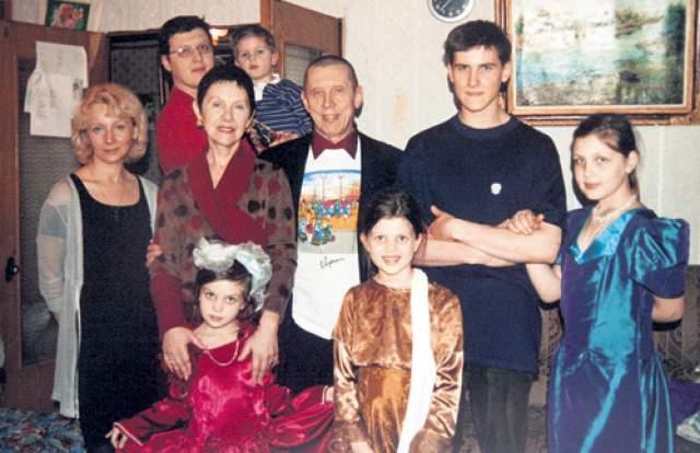 Почти 30 лет Валерий был счастлив в браке со второй супругой Тамарой, когда в его жизни возникло новое увлечение.