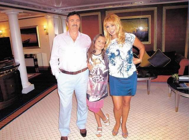 Долгое время певица скрывала Лидию от общественности. Об уже взрослой дочери публика узнала только тогда, когда Маша сочеталась браком с бизнесменом Виктором Захаровым и родила от него дочь Марию.