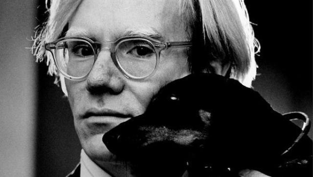 """Это самая дорогая работа известной легенды поп-арта, Энди Уорхола. Картина стала, пожалуй, самым ярким явлением современного искусства, уйдя с молотка на аукционе """"Сотбис""""."""