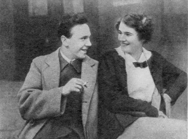 Вышла замуж за Михаила Чехова в районе 30-х и навсегда оставила себе его фамилию, хотя на родине в Германии власти заставляли ее вернуть девичью.